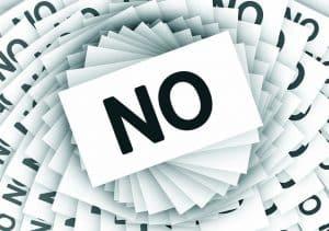 Mon entreprise me licencie et refuse de négocier : les idées reçues