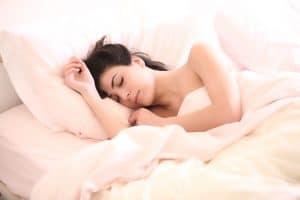 Comment dormir mieux, plus rapidement et améliorer la qualité de votre sommeil en 10 simples étapes