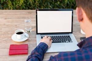 Rester productif et s'organiser quand on travaille chez soi : le guide ultime